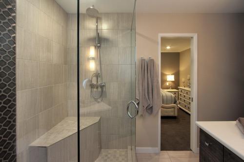 Interior Design Kelowna - Creative Touch - Ensuite bathroom